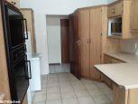 067-kitchen