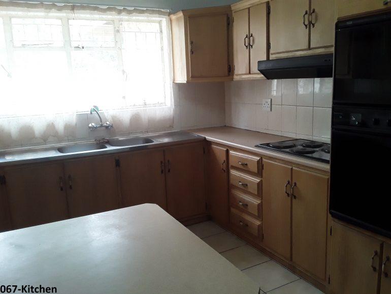 067-kitchen..