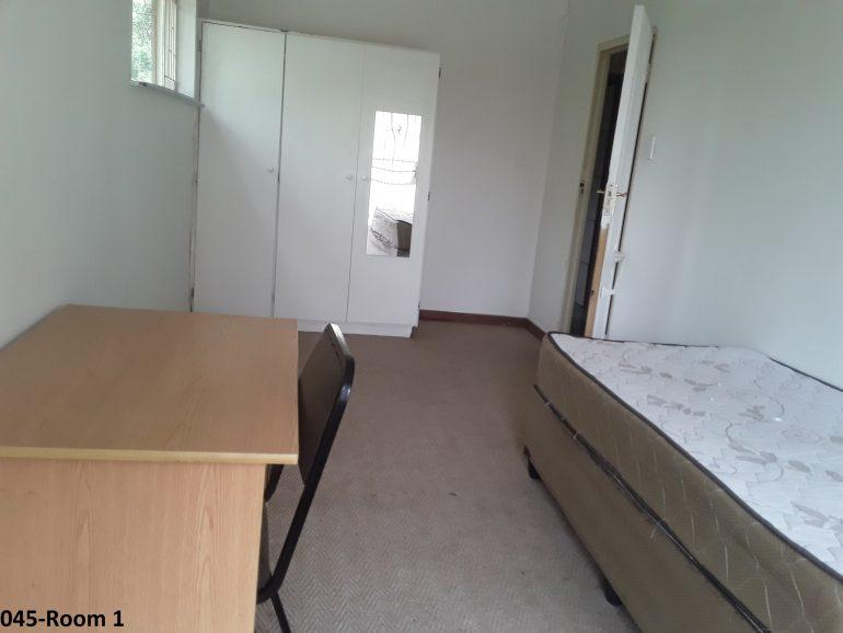 045-room 1