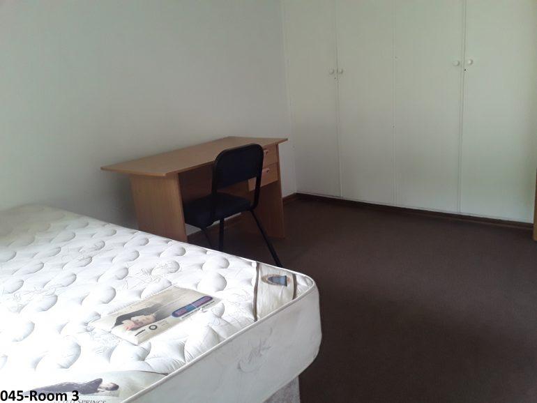045-room 3