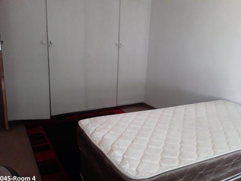 045-room 4