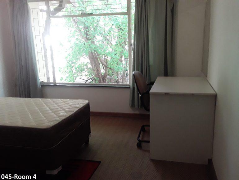 045- room 4..
