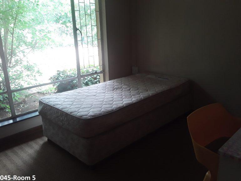045-room 5