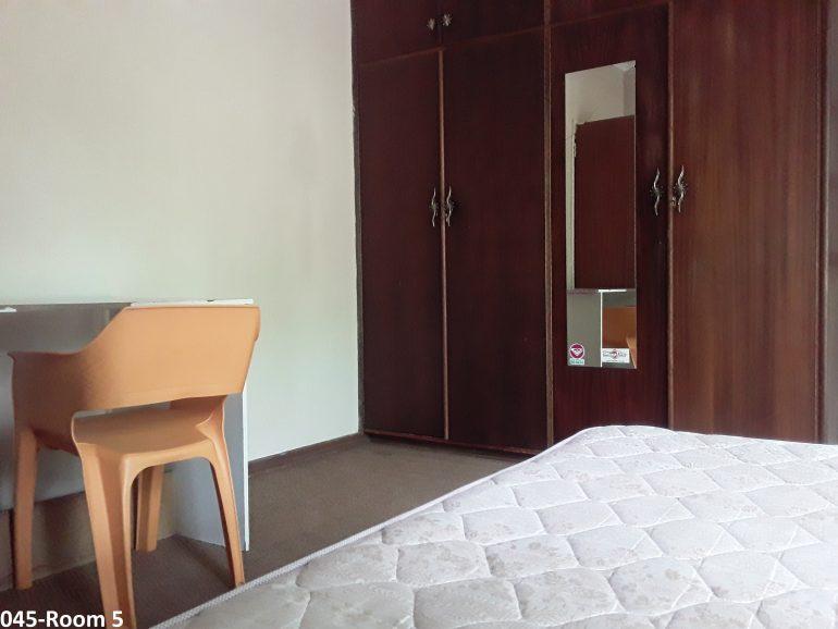 045-room 5.