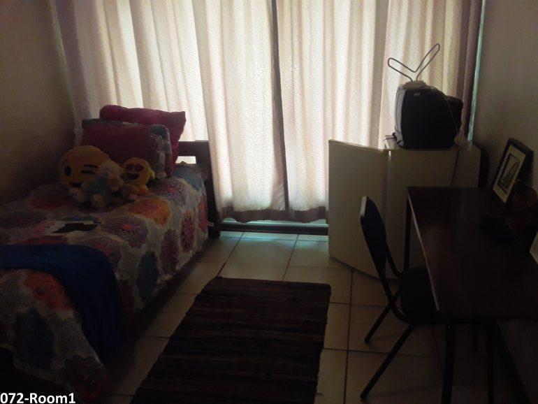 072-room 1