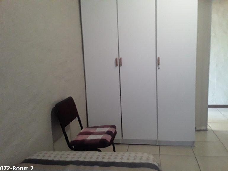 072-room 2.