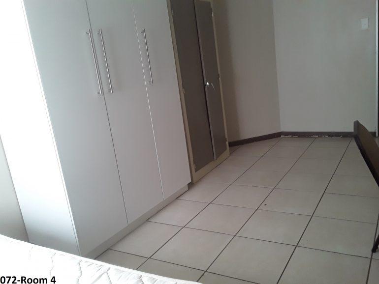 072-room 4