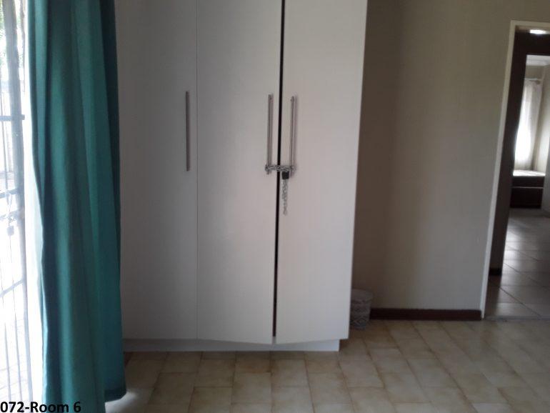 072-room 6
