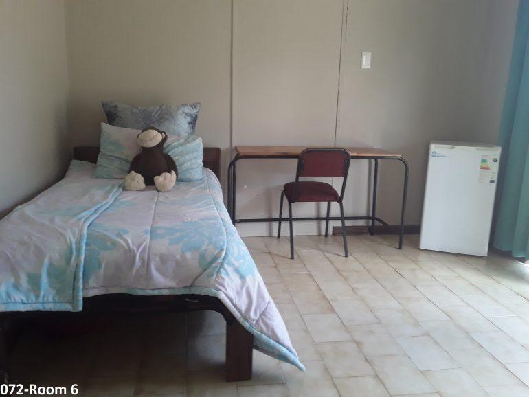 072-room 6..