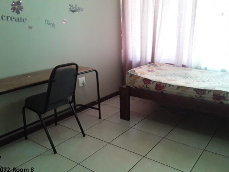 072-room 8..