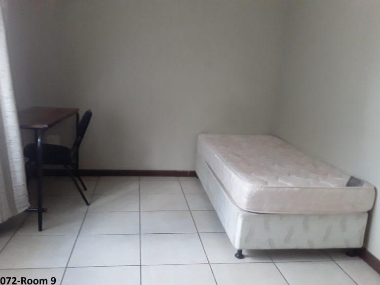072-room 9..