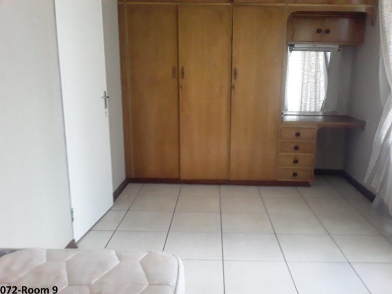 072-room9